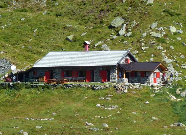 Rifugio-Alpe-il-Laghetto